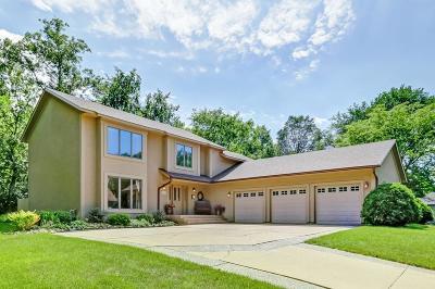 Eden Prairie Single Family Home For Sale: 16077 Baywood Lane