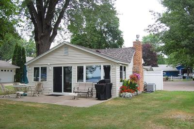 Chisago County, Isanti County, Pine County, Kanabec County Single Family Home For Sale: 12995 Pleasant Avenue
