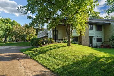 Eden Prairie Condo/Townhouse For Sale: 9717 Dorset Lane