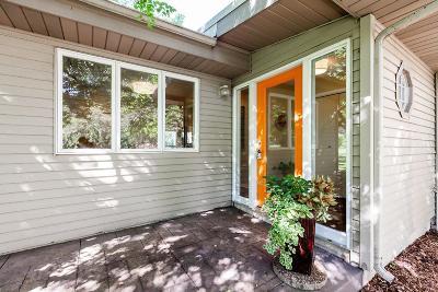 Mendota Heights Single Family Home For Sale: 1669 Lilac Lane