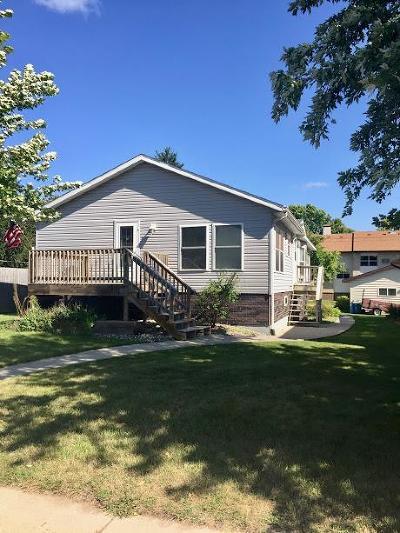 Freeport Single Family Home For Sale: 211 Main Street E