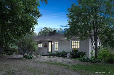Hennepin County Single Family Home For Sale: 385 Stubbs Bay Road