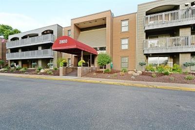 Roseville Condo/Townhouse For Sale: 2800 Hamline Avenue N #129
