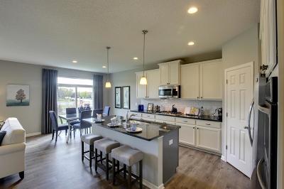 Scott County Single Family Home For Sale: 1670 Tamarack Road