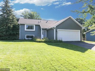 Eagan Single Family Home For Sale: 3842 Mill Run Lane