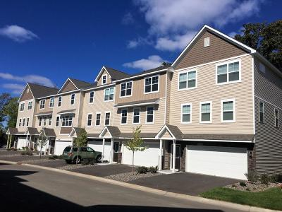 Maple Grove Condo/Townhouse For Sale: 17662 96th Place N