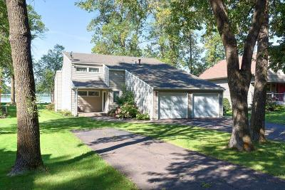 Single Family Home For Sale: 50864 Lakeview Drive