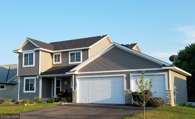 Isanti Single Family Home For Sale: 709 Brookview Lane SE