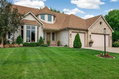 Lakeville Single Family Home For Sale: 16796 Interlachen Boulevard