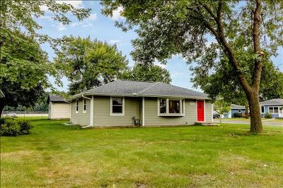 Lakeville Single Family Home For Sale: 20655 Hughes Avenue W