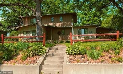 Single Family Home For Sale: 320 Riverside Drive SE