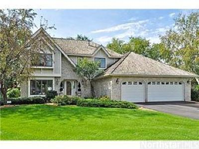 Brooklyn Park Single Family Home For Sale: 8755 Hillswick Trail