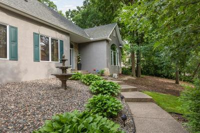 Lakeville Single Family Home For Sale: 17589 Kettering Trail