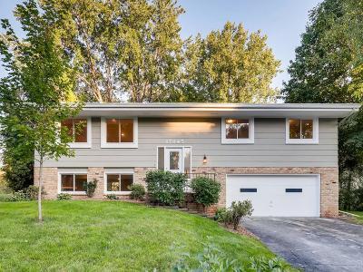 Minnetonka Single Family Home For Sale: 17845 Powderhorn Drive