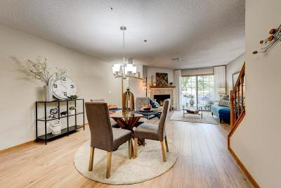 Mendota Heights Condo/Townhouse For Sale: 2582 Lockwood Drive