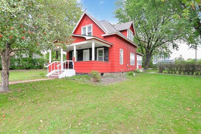 Mille Lacs County Single Family Home For Sale: 405 3rd Avenue NW