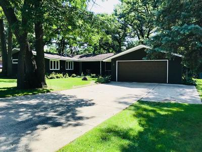 Burnsville Single Family Home For Sale: 7 Woodland Drive