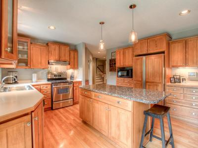 Prior Lake Single Family Home For Sale: 8741 Credit River Boulevard