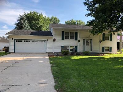 Oakdale Single Family Home For Sale: 6921 35th Street N