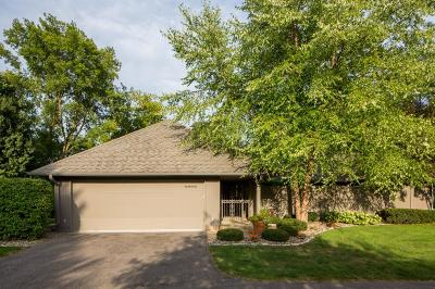Shorewood Single Family Home For Sale: 4925 Sussex Place