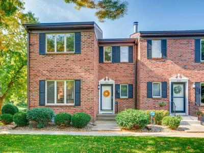 Mendota Heights Condo/Townhouse For Sale: 623 Maple Park Drive