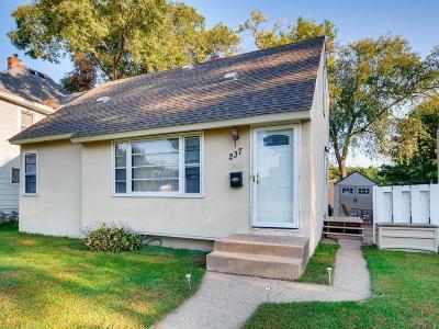 South Saint Paul Single Family Home For Sale: 237 E Spruce Street