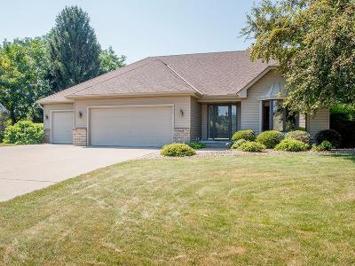 Mahtomedi Single Family Home For Sale: 240 Shamrock Drive