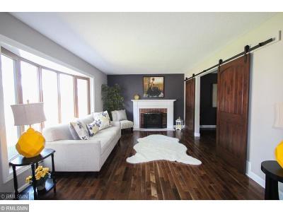Bloomington Single Family Home For Sale: 9540 Penn Circle