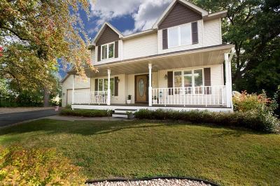 Lakeville Single Family Home For Sale: 19521 Jade Lane