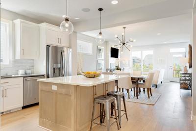 Chaska Single Family Home For Sale: 5023 Boulder Lane