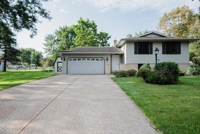 Lakeville Single Family Home For Sale: 16670 Franchise Court