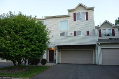 Maple Grove Condo/Townhouse For Sale: 9182 Comstock Lane N