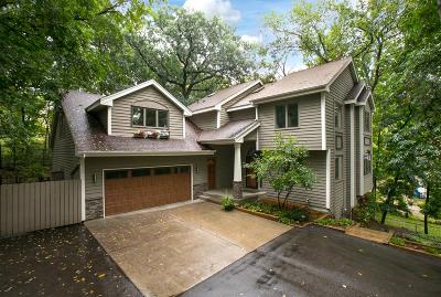 Eden Prairie Single Family Home For Sale: 6963 Woodland Drive