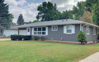 Eagan Single Family Home For Sale: 2094 Quartz Lane