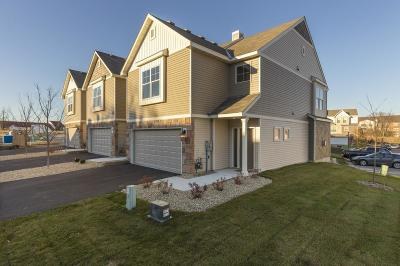 Burnsville Condo/Townhouse For Sale: 368 Stonewood Place #18