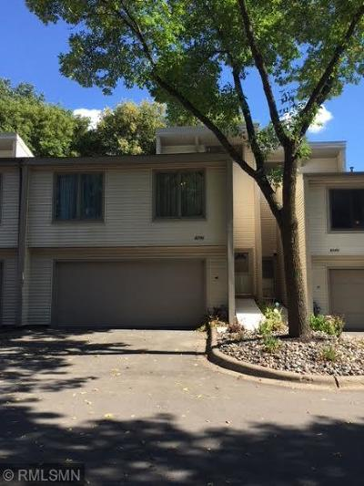 Apple Valley Condo/Townhouse For Sale: 8336 Upper 138th Court