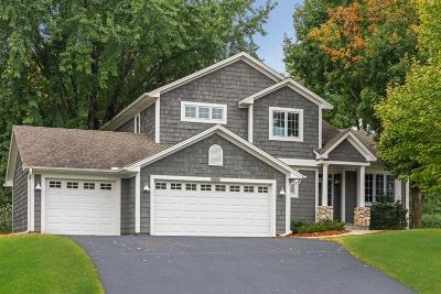Chanhassen Single Family Home For Sale: 2375 Bridle Creek Circle