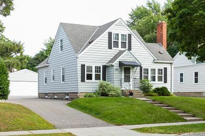 West Saint Paul Single Family Home For Sale: 960 Delaware Avenue