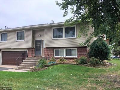 Blaine Condo/Townhouse For Sale: 9404 Tyler Street NE