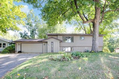 Mound Single Family Home For Sale: 4973 Edgewater Drive