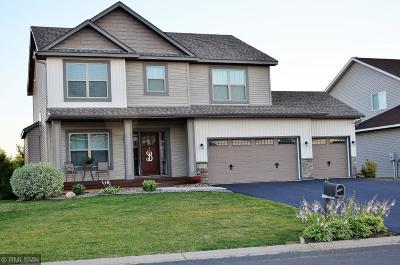 Lakeville MN Single Family Home For Sale: $399,900