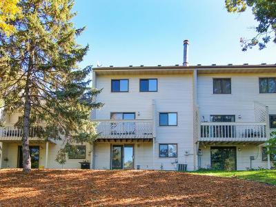 Fridley Condo/Townhouse For Sale: 5514 W Bavarian Pass