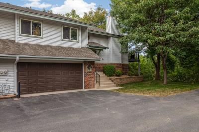 Eagan Condo/Townhouse For Sale: 1581 Clemson Drive #B