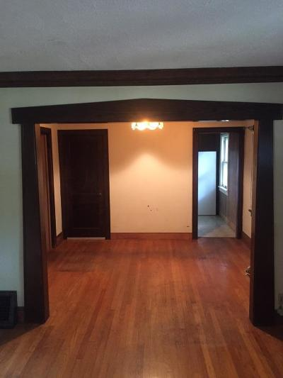 Minneapolis MN Single Family Home For Sale: $225,000