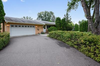White Bear Lake Single Family Home For Sale: 3923 Bellaire Avenue