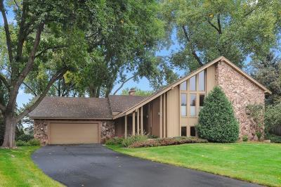Bloomington Single Family Home For Sale: 9214 Fawnridge Circle