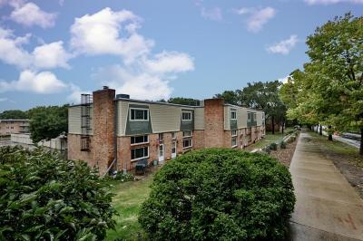 Saint Louis Park Condo/Townhouse Contingent: 2028 Louisiana Avenue S