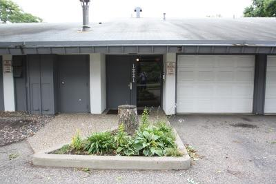 Bloomington Condo/Townhouse Contingent: 1321 W 82nd Street #A