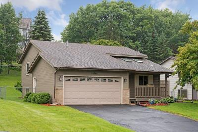 Lakeville Single Family Home For Sale: 16848 Jonquil Trail