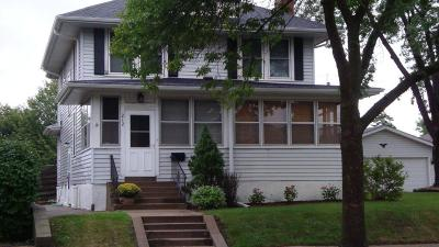 South Saint Paul Single Family Home For Sale: 212 5th Avenue N